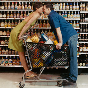 rbk-couple-in-grocery-store-1-0211-mdn