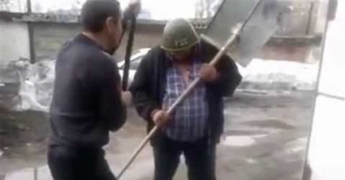 Russian-Idiots-Test-Helmet-With-Lump-Hammer-Then-Fight1